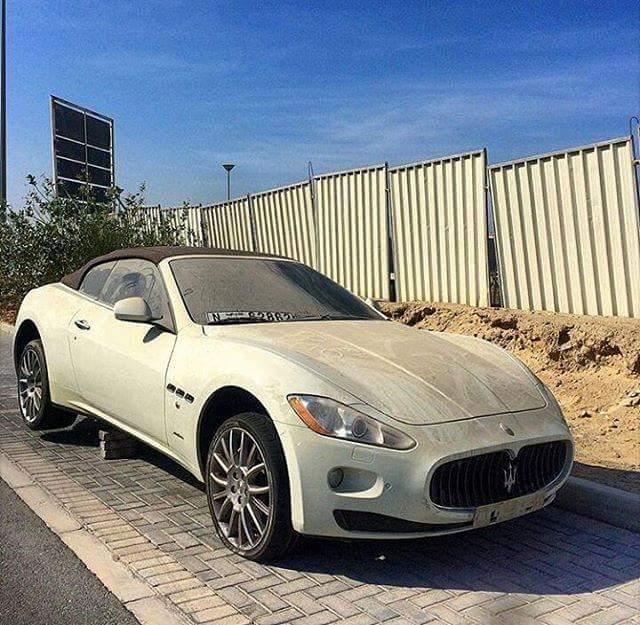 Maseratija je lastnih pustil kar pod milim nebom. Foto: 500Plus HP For Sale