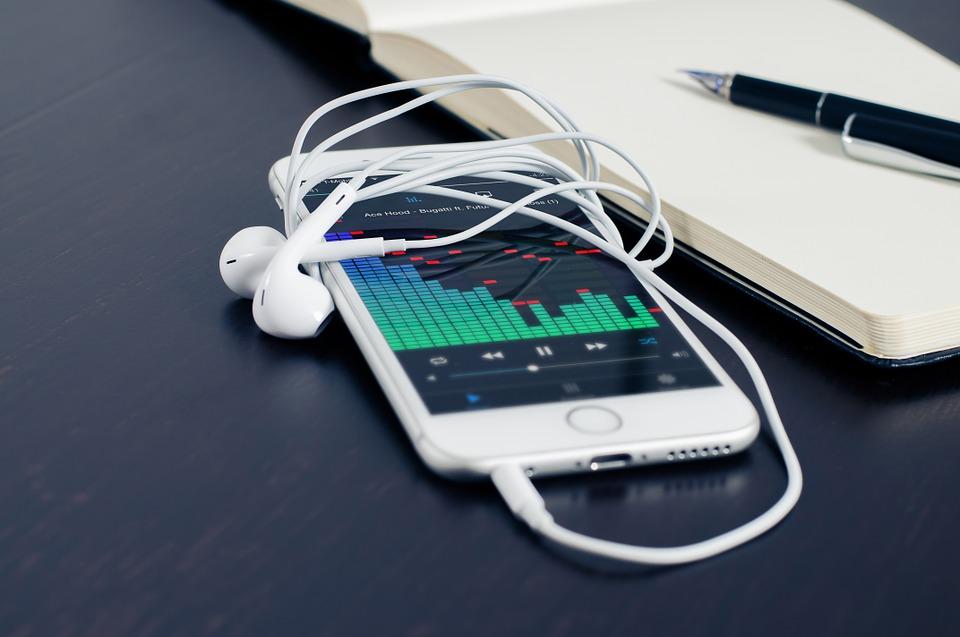 Številnim uporabnikom iPhonov je iOS 10 všeč, najdejo pa se tudi takšni, ki ga ne odobravajo. Foto: pixabay.com