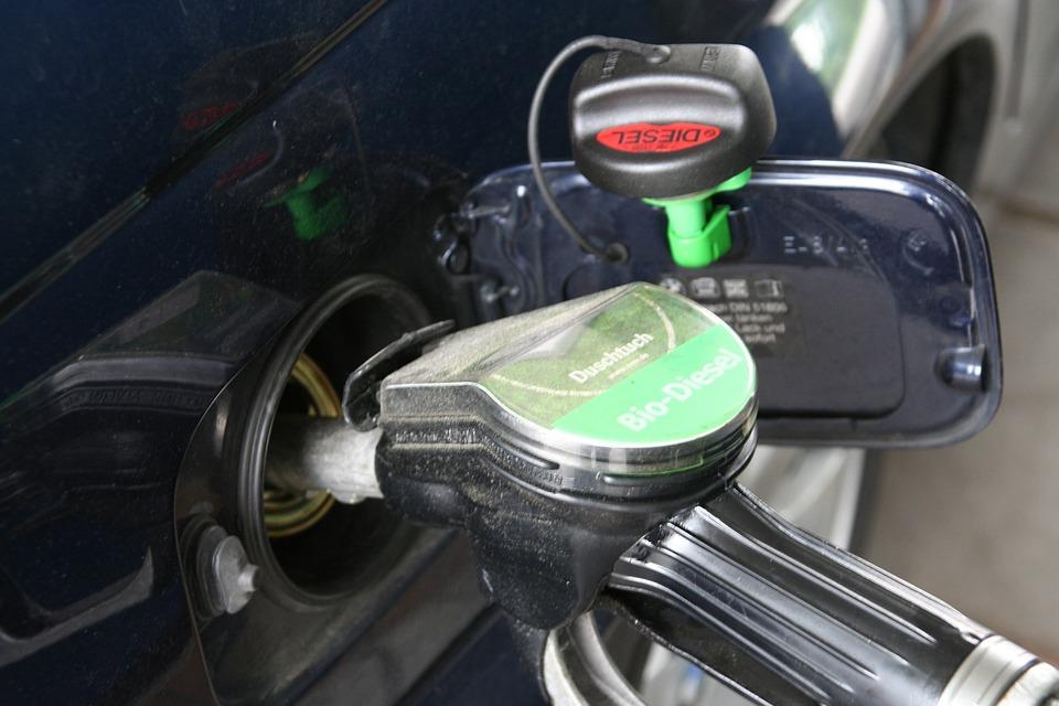 Sprememba cen bo naslednje 14-dnevno obdobje veljala samo za 95-oktanski bencin in nafto. Foto: Pixabay.com