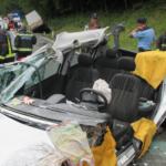 ŠTAJERSKA: Gasilci rezali ujeto osebo iz vozila